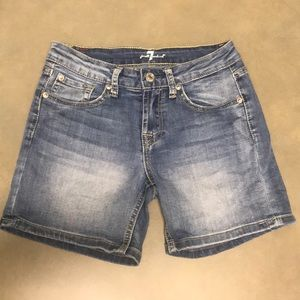 Girls 7 for all mankind Jean shorts
